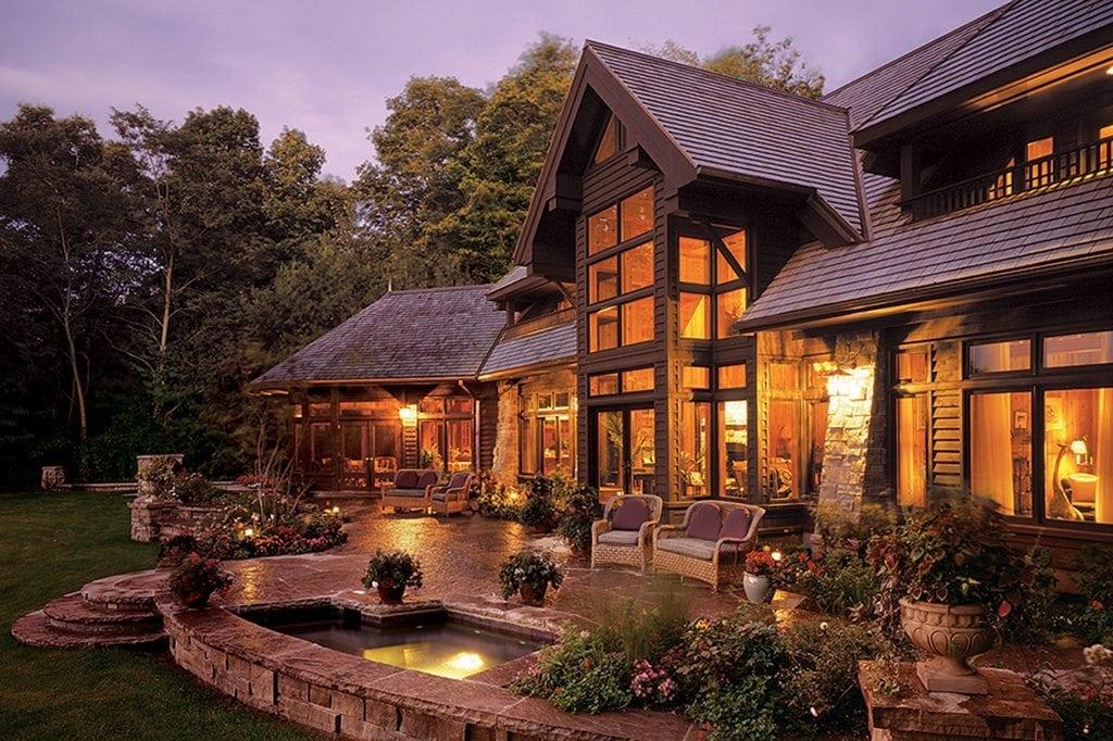 Lakeshore lodge lindal cedar homes for Lindal log cabin homes