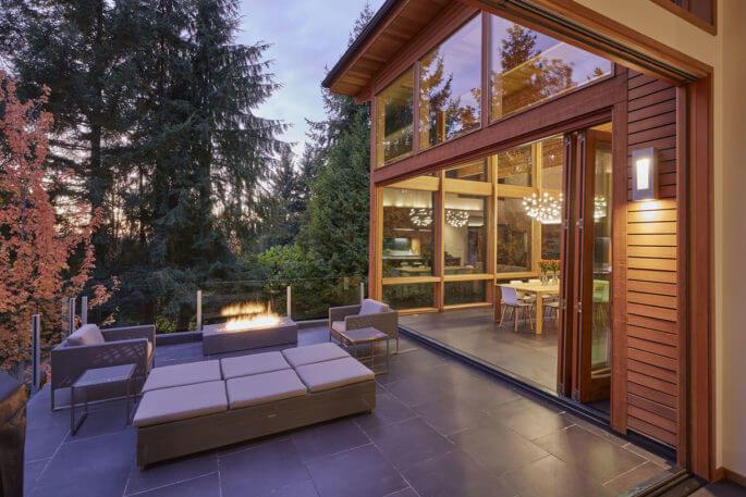 modern-contemporary-home-deck