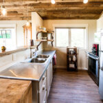 41578 Traditional Custom Interior Kitchen